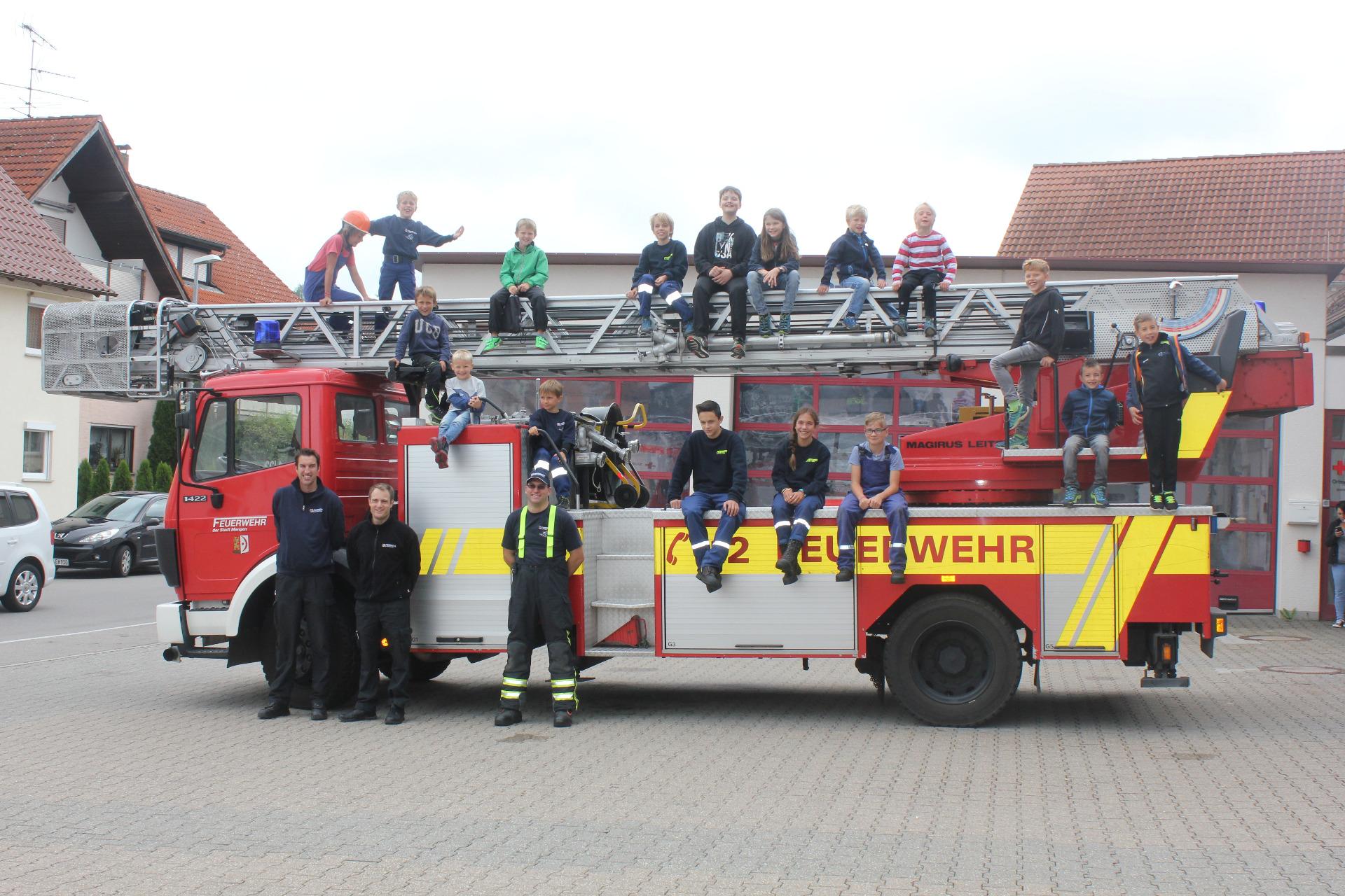Klettergurt Feuerwehr : Freiwillige feuerwehr mengen kindersommer bei der